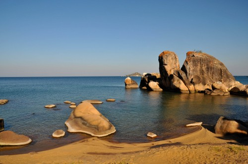 The unique formations of Senga Bay - <i>Photo: Bruce Taylor</i>