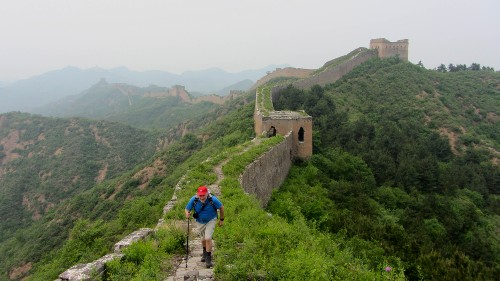 Walking the Great Wall - <i>Photo: Burt Bosma</i>