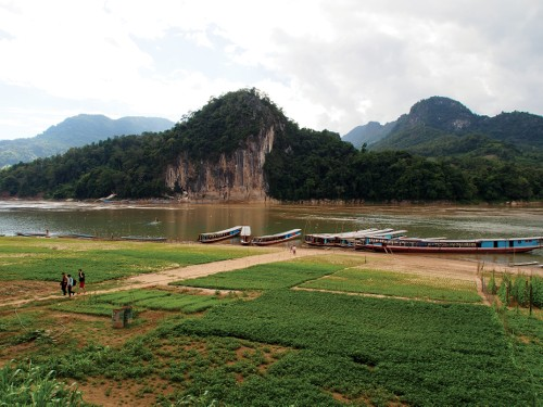 Getting off the boat in Ban Xienglek - <i>Photo: Kylie Turner</i>