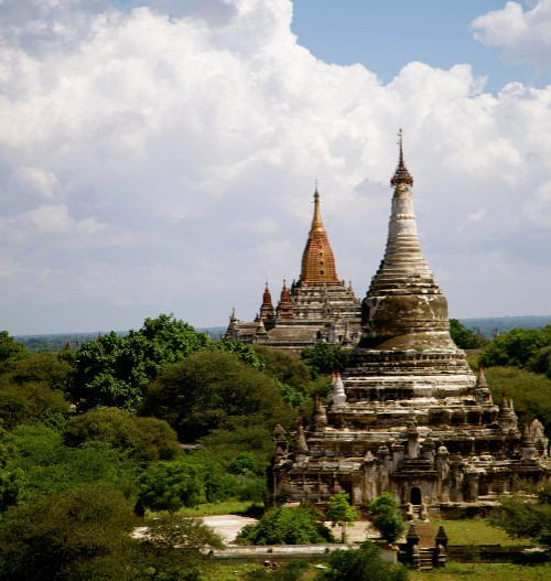 Spectacular views of ancient Myanmar temples