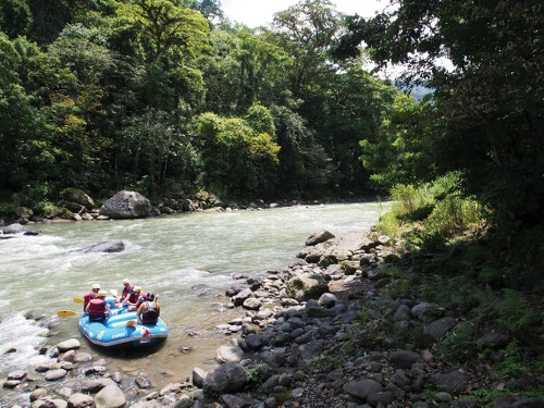 Drop in spot on the Paquare river, Costa Rica - <i>Photo: Sophie Panton</i>