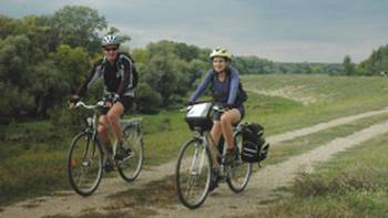 Cycling along Danube river out of Belgrade, Serbia | Sue Badyari