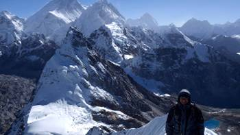Breathtaking views from the summit of Cholo, Khumbu region, Nepal | Soren Kruse Ledet