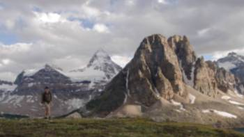 Mount Assiniboine straddling the Alberta/BC border | Destination BC