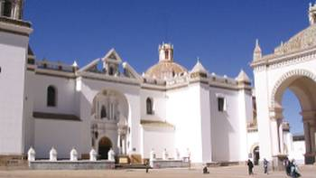 Beautiful church in Copocabana, Bolivia | Pablo Segovia