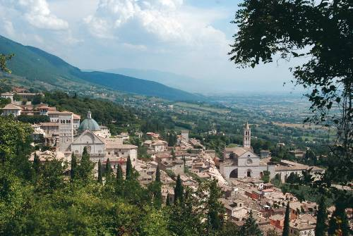 A short walk to the fort above Assisi provides an inspiring view of the old citadel - <i>Photo: Sue Badyari</i>