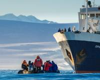 Zodiac cruising in the Ross Sea |  <i>©SOtt</i>