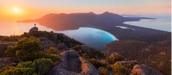 Vibrant sunrise at Wineglass Bay | Daniel Tran